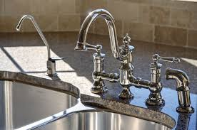 Exceptional faucet repair and replacement services in Santa Clarita, CA by local plumbers.
